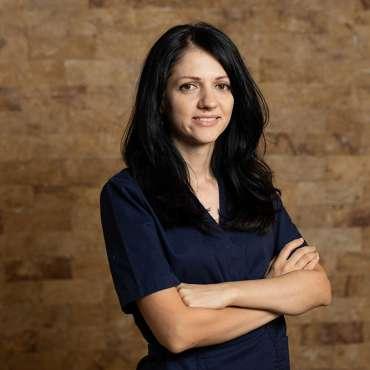 Dr. Ana Sandu
