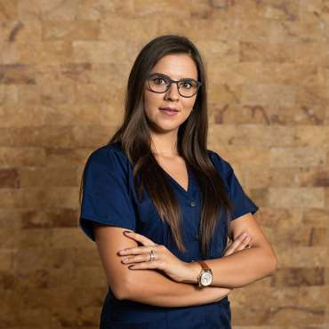 Dr. Erna Dupir